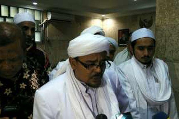 Ketua Umum Front Pembela Islam (FPI) Muhammad Rizieq Shihab di Masjid Istiqlal, Jakarta Pusat, Minggu (18/9/2016).