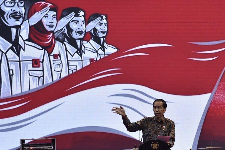 Presiden Joko Widodo menyampaikan arahan saat membuka Rapat Kerja Nasional (Rakernas) III Organisasi Kemasyarakatan Projo, di Jakarta, Senin (4/9/2017). Presiden meminta relawan Projo tidak melakukan tindakan memecah belah bangsa menjelang tahun politik. ANTARA FOTO/Puspa Perwitasari/kye/17