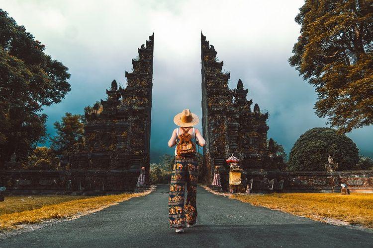 Ilustrasi wisatawan di Bali.