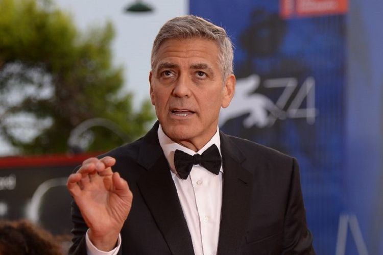 Aktor sekaligus sutradara AS, George Clooney, menghadiri pemutaran perdana film Suburbicon di Venice Film Festival yang digelar di Venice Lido, Italia, pada Sabtu (2/9/2017).