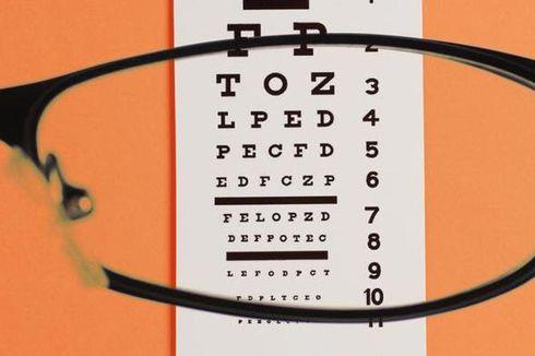 Perbankan Bantu Kacamata Gratis
