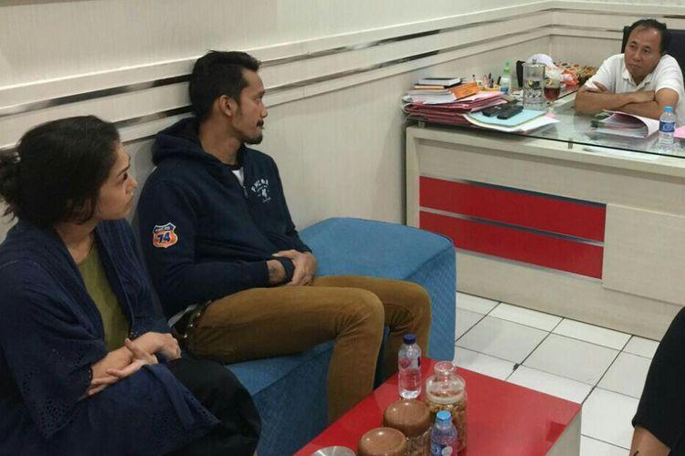 Tora Sudiro dan istrinya Mieke Amalia diperiksa di Mapolrestro Jakarta Selatan, Kamis (3/8/2017).