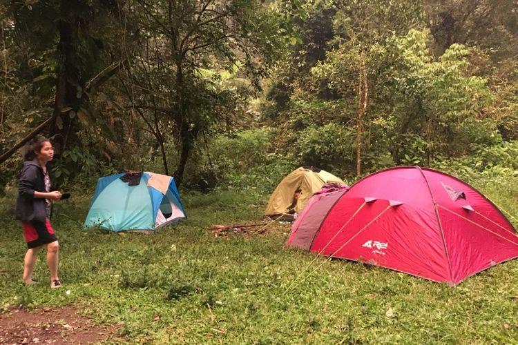 Camping Ground di Kawasan Wisata Situ Gunung, Sukabumi, Jawa Barat.