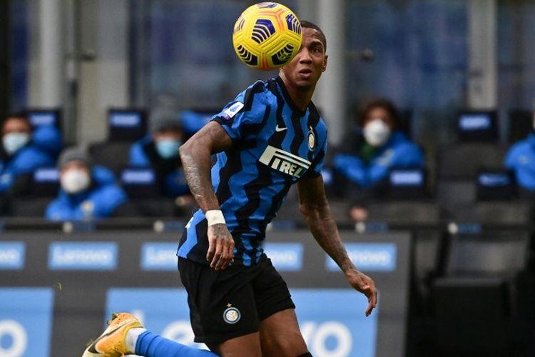 Ashley Young menandatangani kontrak satu setengah musim bersama raksasa Italia, Inter Milan, pada Januari 2020.