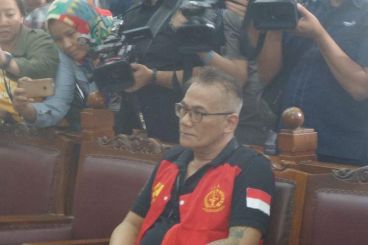Tio Pakusadewo di Pengadilan Negeri Jakarta Selatan, Senin (30/4/2018).