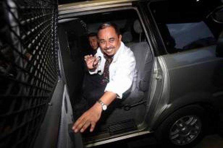 Mantan Presiden Partai Keadilan Sejahtera Luthfi Hasan Ishaaq kembali menjalani pemeriksaan oleh Komisi Pemberantasan Korupsi, di Jakarta, Rabu (8/5/2013). Lutffi diperiksa KPK terkait dugaan korupsi proyek impor daging sapi.