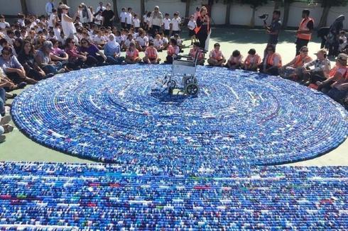 Rekor Dunia, Rantai dari Tutup Botol Plastik Sepanjang 2,73 Km