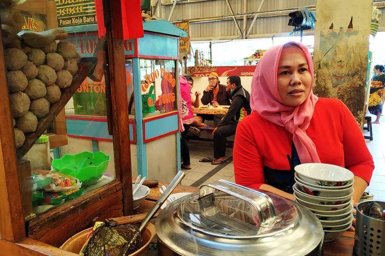 Tini, Penjual Bakso di Pasar Koja Baru Jakarta Utara, ditemui pada Rabu (20/1/2021).