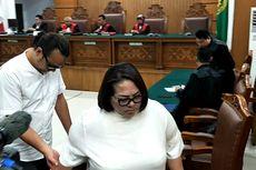 Nunung Minta Dihukum Ringan karena Harus Urus 13 Anak Angkat