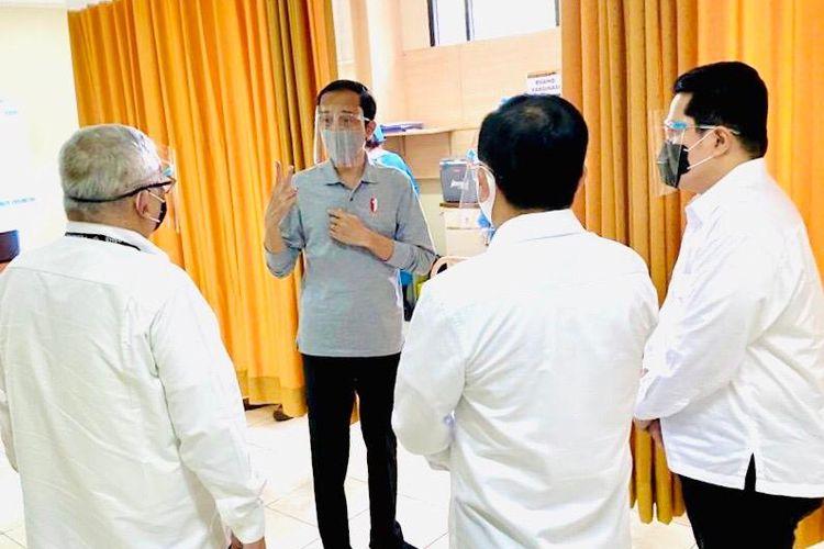 Presiden Jokowi di Fakultas Kedokteran Universitas Padjajaran untuk menyaksikan penyuntikan calon vaksin Covid-19 kepada relawan, Selasa (11/8/2020).