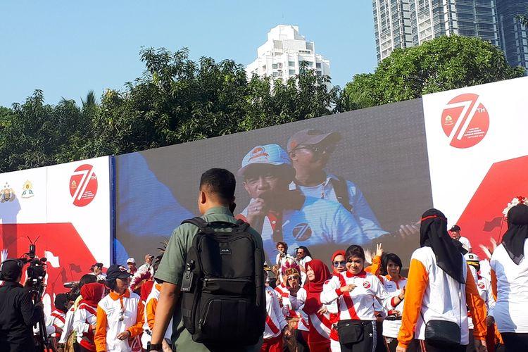 Kapolri Jenderal (Pol) Tito Karnavian menyanyikan lagu yang berasal dari Papua berjudul Rasine Ma Rasine dalam upacara peringatan HUT ke-71 Polisi Wanita Republik Indonesia di Lapangan Promoter Polda Metro Jaya, Jakarta Selatan, Minggu (1/9/2019).