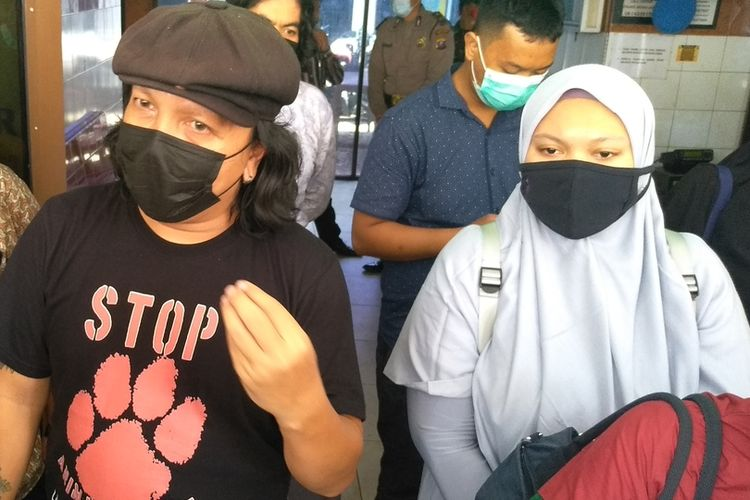 Ketua Animal Defenders Indonesia, Doni Herdaru menegaskan sudah semestinya masyarakat mendapatkan asupan makanan dari katering yang aman, sumber pasar yang jelas dan bukan dari pasar gelap. Daging kucing dan daging anjing bukan bahan pangan. Menurutnya, barang siapa mengedarkannya, itu melanggar aturan dan wajib dihukum. Apalagi hewan curian.