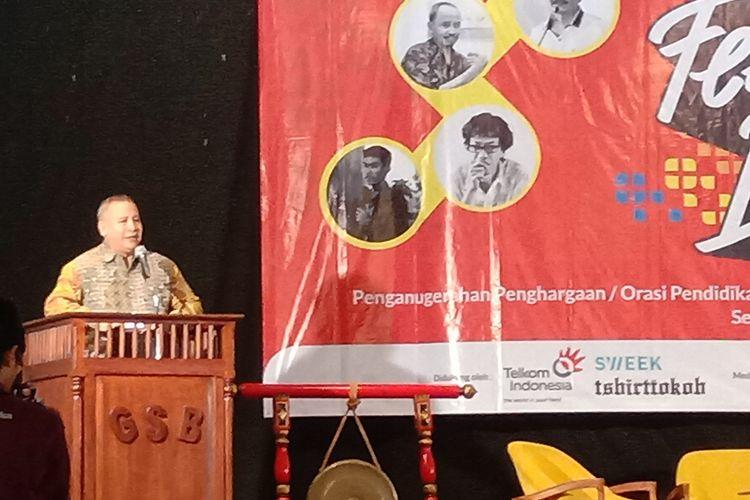 Kepala Badan Pengembangan dan Pembinaan Bahasa RI, Prof Dr. Dadang Sunendar, berbicara di Festifal Literasi 2018 di Surakarta.