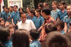 Tolak Uji Materi, Jokowi Ingin Buktikan Mobil Murah Bikin Macet