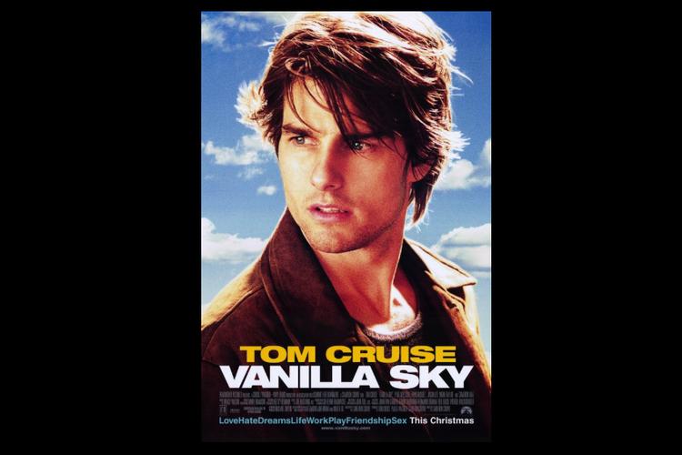 Tom Cruise berperan sebagai David Aames dalam film drama thriller Vanilla Sky.