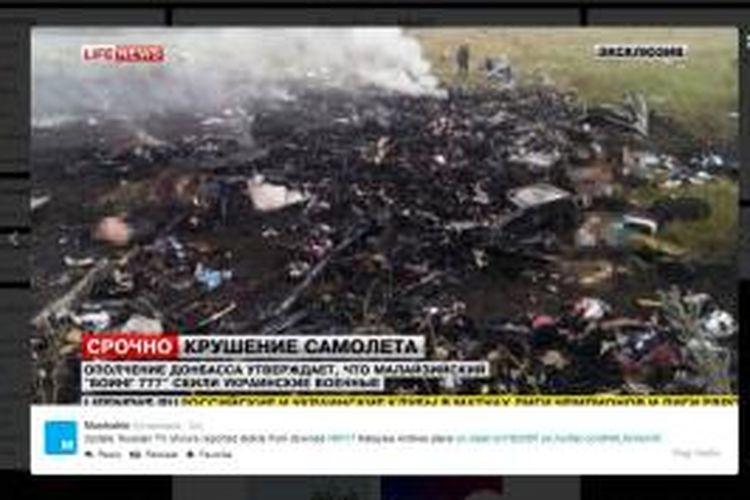 Gambar puing di-capture dari siaran langsung Russian TV diunggah lewat akun Twitter terverifikasi @Mashable, Kamis (17/7/2014)