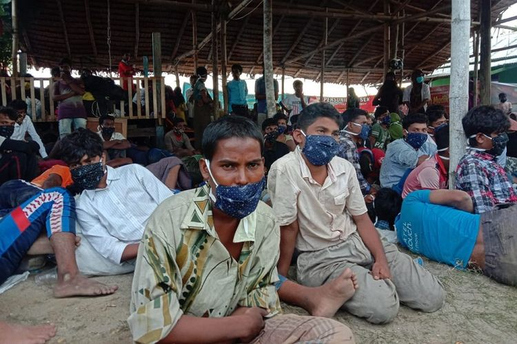 295 warga Rohingya asal Myanmar kembali terdampar di wilayah Lhokseumawe, Aceh.