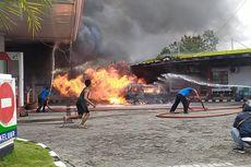 Mobil Terbakar di SPBU, Warga Melarikan Diri Usai Terjadi Ledakan