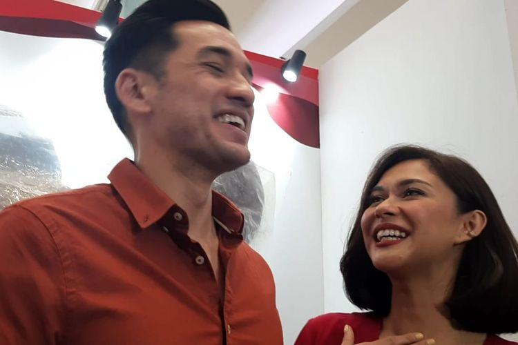 Andrew White (kiri) dan Nana Mirdad saat ditemui dalam acara HUT ke-30 Bakso Sumber Selera, di kawasan kembangan, Jakarta Barat, Sabtu (23/11/2019).