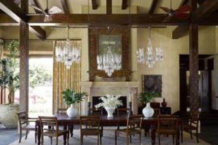 Judah Hertz dan Astrid mendesain rumahnya dengan mengadopsi langgam arsitektur Bali dan Jawa