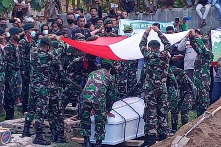 Jenazah Prada Ardi Yudi Arto, dimakamkan di kuburan muslim yang terletak di wilayah Wemalae, belakang Polsek Malaka Tengah, Kabupaten Malaka, NTT
