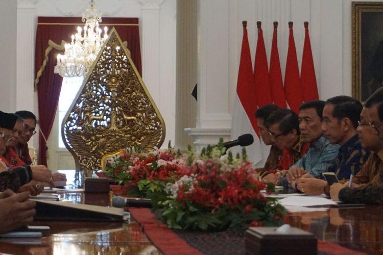 Presiden Joko Widodo, Kamis (22/3/2018) siang, menerima pengurus Badan Pembinaan Ideologi Pancasila (BPIP) di Istana Merdeka Jakarta.