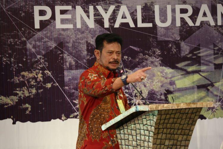 Menteri Pertanian Syahrul Yasin Limpo dalam Rapat Monitoring dan Pengelolaan Penyaluran Pupuk Bersubsidi Tahun Anggaran 2020 yang diselenggarakan di Hotel Aston Cirebon, Kamis (27/8/2020).