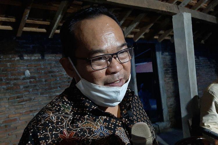 Rektor Universitas Negeri Yogyakarta (UNY) Sutrisna Wibawa di Gunungkidul Kamis (18/6/2020)