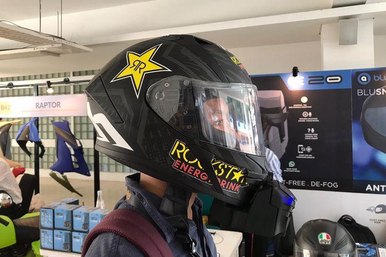 Blusnap Helmet cocok jadi aksesoris para biker yang menggunakan helm full face untuk berkendara harian.