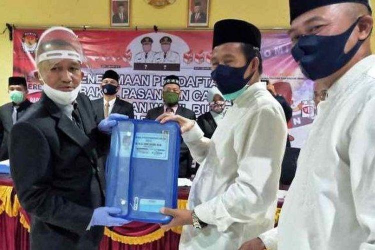 Pasangan Ibnu Saleh - Herry Erfian mendaftar di KPU Bangka Tengah, Jumat (4/9/2020.