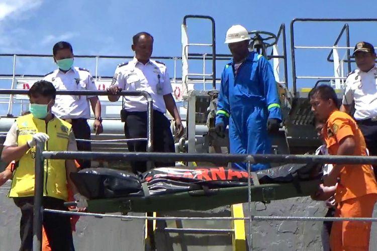 ABK Kapal Tanker Tewas Setelah Terjatuh ke Dalam Tangki BBM
