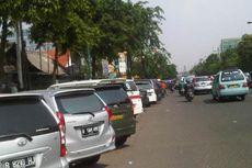 Menertibkan Parkir Liar dari Istana Negara