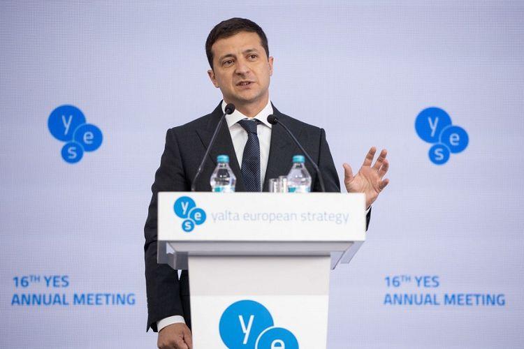 Presiden Ukraina Volodymyr Zelensky saat berbicara di pertemuan tahunan ke-16 Yalta European Strategy (YES), di Kiev, pada 12-14 September 2019.