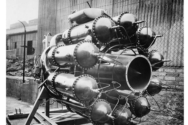 Mesin jet yang dikembangkan Frank Whittle