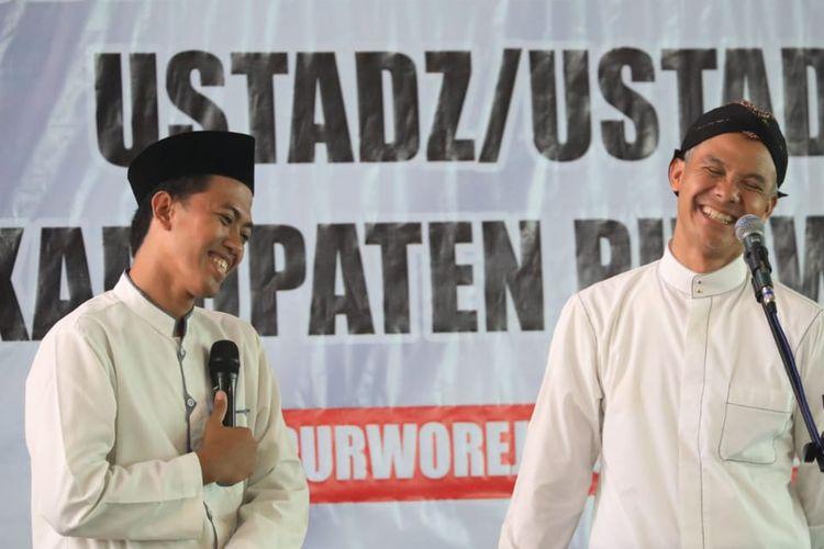 Gubernur Jawa Tengah Ganjar Pranowo berharap para guru ngaji di Jawa Tengah dapat menjadi garda depan dalam upaya penanggulangan hoaks di masyarakat, khususnya para santri.