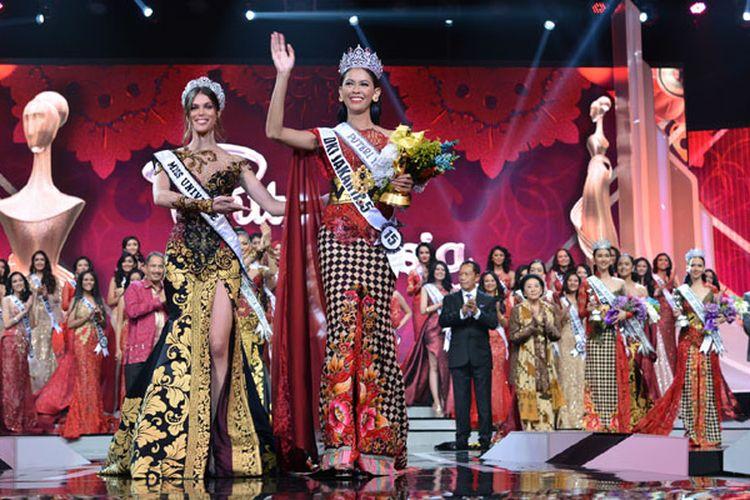 Bunga Jelitha Ibrani menerima gelar Puteri Indonesia 2017.