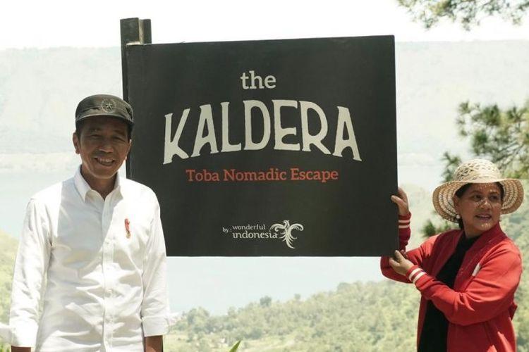 Presiden Joko Widodo bersama Ibu Negara Iriana Joko Widodo meninjau kawasan wisata The Kaldera Toba Nomadic Escape yang terletak di Kabupaten Toba Samosir (Tobasa), Provinsi Sumatera Utara, pada Selasa (30/1/2019. Selepas peninjauan, Presiden menginginkan agar kawasan wisata The Kaldera bisa dikembangkan secepatnya