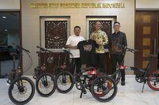 Moeldoko dan Daniel Mananta Klarifikasi: Sepeda Bukan untuk Jokowi