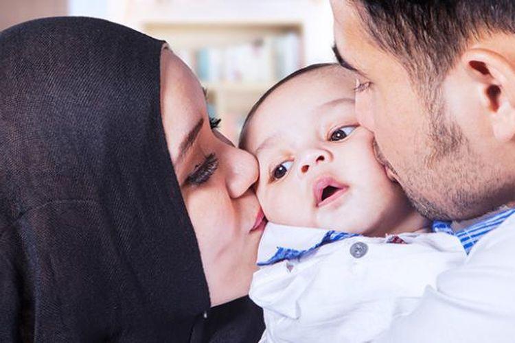 Tetap Dekat Dengan Bayi Meski Ayah Dan Ibu Bekerja