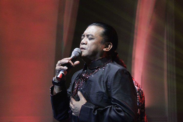 Penyanyi Didi Kempot menggelar konser di The Pallas, SCBD, Jakarta Selatan, Jumat (6/12/2019). Konser bertajuk The Lord of Loro Ati ramai oleh pengunjung dari berbagai kalangan.