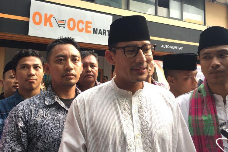 Wakil Gubernur DKI Jakarta terpilih Sandiaga Uno, saat meresmikan OK-OCE Mart Kopkar Yapi Al Azhar, Rawamangun, Jakarta Timur, Minggu (16/7/2017).