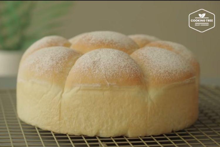 Roti sobek cream cheese.