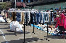 Semangat Korban Kebakaran Pasar Senen Berjualan di Pinggir Jalan