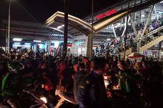 Ruwetnya Stasiun Cakung Akibat Gangguan KRL Arah Bekasi