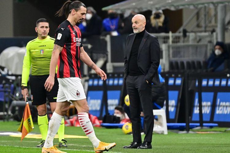 Zlatan Ibrahimovic meninggalkan lapangan usai mendapatkan kartu kuning kedua pada laga perempat final Coppa Italia Inter Milan vs AC Milan di Stadion Giuseppe Meazza, Selasa (26/1/2021) atau Rabu dini hari WIB.