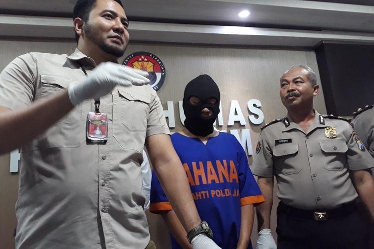 Pelaku pencabulan pria di bawah umur diamankan di Mapolda Jatim, Senin (1/7/2019)