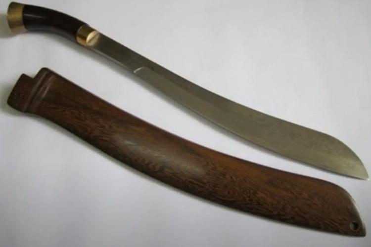 [Tangkapan Layar] senjata tradisional DKI Jakarta, Golok
