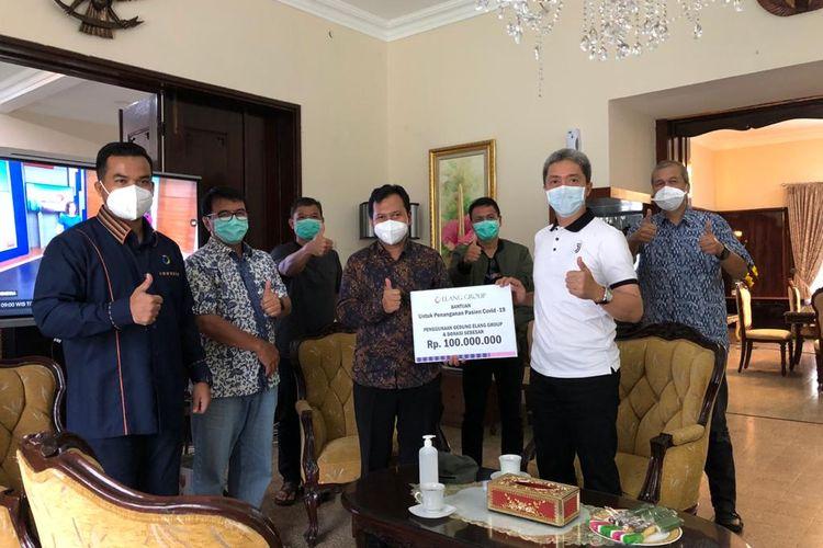 Pemberian donasi dan kantor sebagai RS Darurat Covid-19 oleh Elang Group ke Pemkot Bogor, Kamis (26/3/2020).