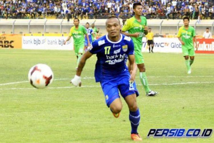 Bomber Persib Bandung, Ferdinand Sinaga.