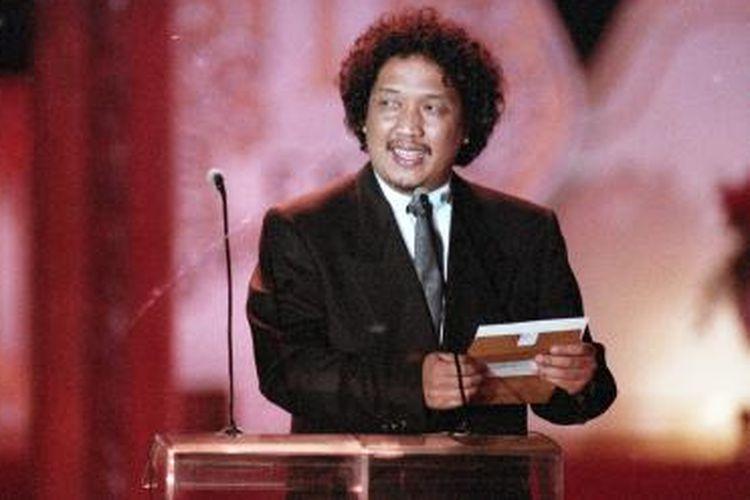 Didi Petet, aktor film, lahir di Surabaya, 12 Juli 1956 dengan nama asli Didi Widiatmoko. Gambar diambil pada pengumuman pemenang Festival Film Indonesia (FFI) 1991, di Taman Mini Indonesia Indah, Sabtu, 16 November 1991.